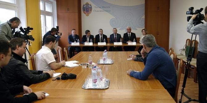 A Közép-Boszniai Kanton vezetői jártak a megyében