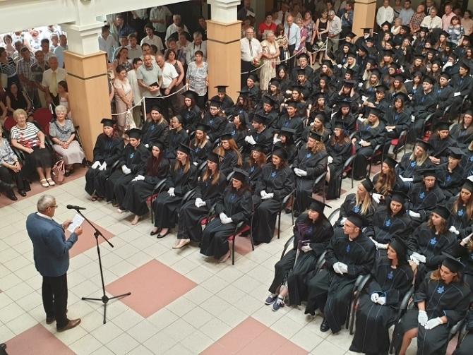 Diplomaátadó ünnepség Szekszárdon
