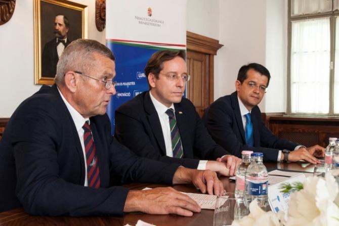 Fehérvári Tamás: a TOP források már több mint felét odaítélték a nyertes pályázóknak